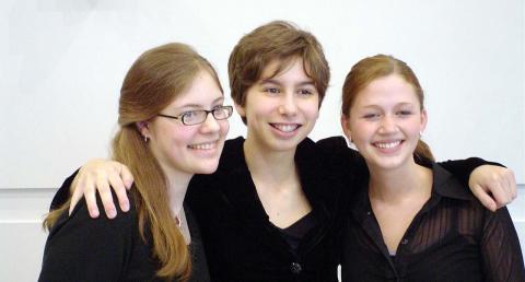 Three UNI Suzuki students